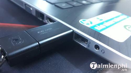 Cách chỉnh BIOS trên laptop HP để BOOT từ USB 1
