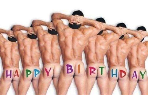 30 Mẫu hình ảnh chế vui hài hước nhân ngày sinh nhật bạn bè