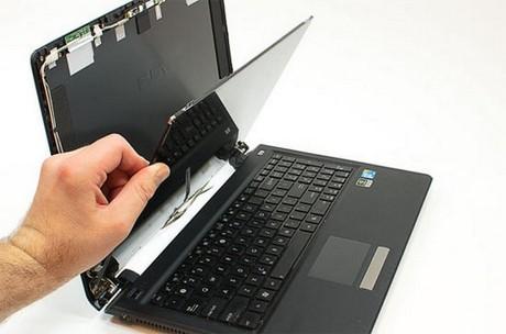 màn hình laptop bị giật, nhấp nháy, bị rung